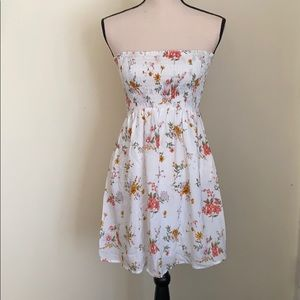 FOREVER 21 Floral Strapless Mini Dress Size S